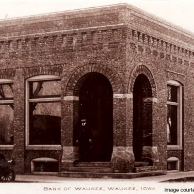This is how the Bank of Waukee looked during these years.