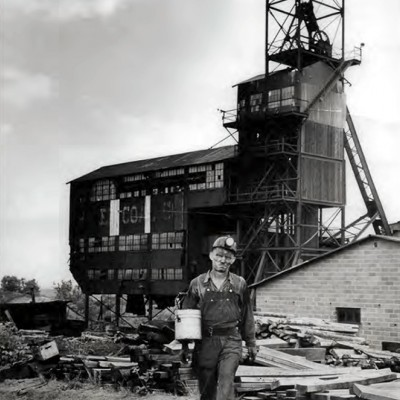 On average, a miner's day began at 7:30 a.m. and finished at 4:00 p.m. The cage or elevator lowered men into the mines, as well as brought coal to the surface daily.