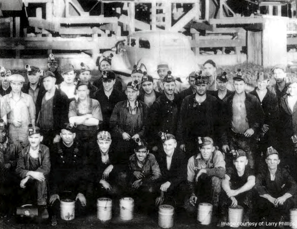 A large number of Italians moved to Waukee to work in the mine, as well as Croatians, Swedes, and various other immigrants.